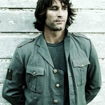 """Pete Murray's latest album, """"Summer At Eureka"""" is hitting the shelves this Saturday, May 17."""