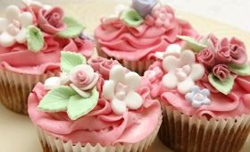 Enjoy a cuppa and a cake to raise money for cancer at a Biggest Morning Tea event.