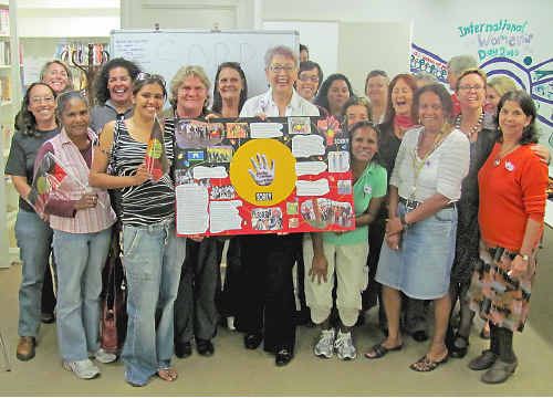 Karen Roberts, Manager of Bugalma Bihyn (formerly Lismore Aboriginal Women's and Children's Refuge) and others at the Sorry Day function.