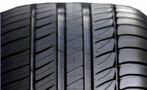 Run-flats have been criticised for their harsh ride and the lack of availability of replacement tyres in remote areas.