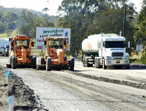 The much-heralded 2016 completion date for full duplication of the Pacific Hwy is now in tatters following the State Govt's rejection of Canberra's 50/50 funding offer.