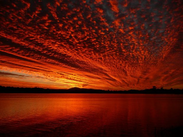 Andrew Millner's Now That's a Sunset, has been chosen as part of the Living Australian Sunset Postcard Series.