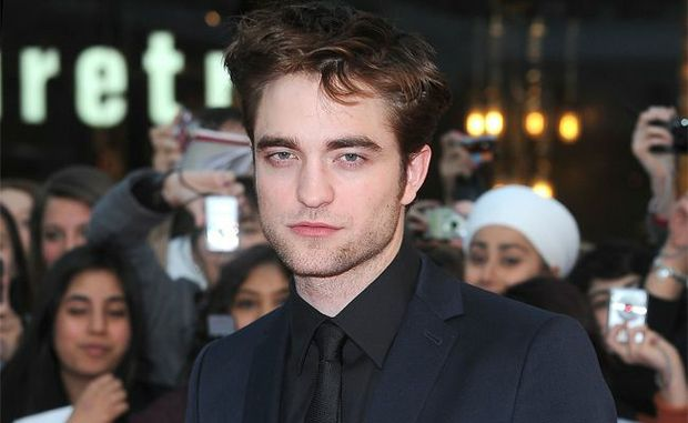"Robert Pattinson's private screening of the new ""Twilight Saga"" film will be auctioned off for charity."