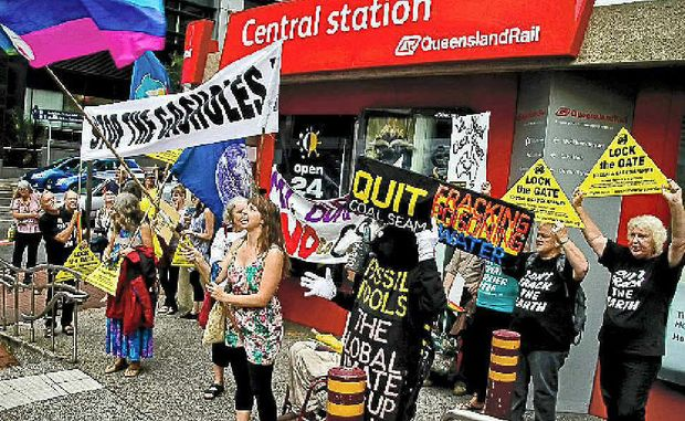 CSG protestors outside the LNG Ltd AGM last week. Photo by Goba.