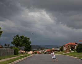 Weather watch: thunderstorms west of Brisbane