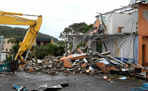 Machinery has rolled in to knock down Cabarita Beach Motel today. It's the final building to be removed to make way for a new supermarket.