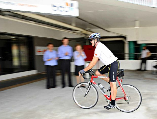 Member for Cowper Luke Hartsuyker pedals into BCU at Grafton Shoppingworld while on his ride to raise funds for charity. JoJo Newby