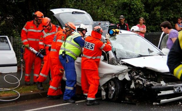 A head-on accident on the Pacific Highway just south of the Combine St intersection led to lengthy delays on the Pacific Highway this evening.