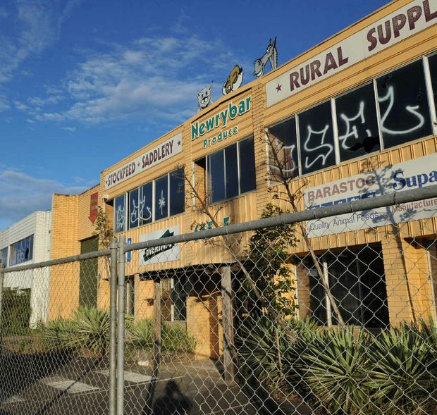 A proposal is before council to build a new Bunnings outlet on this now derelict site at South Coffs