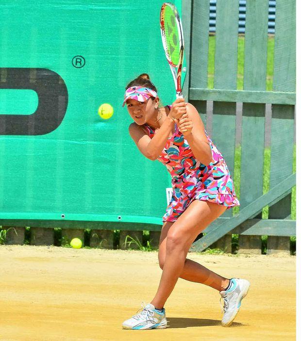Yurika Sema on her way to victory over Viktorija Rajicic in the Bundaberg International.