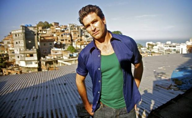 Catch musician Pete Murray in Bundaberg and Rockhampton next month.