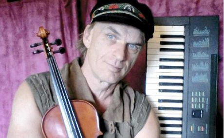 Singer and multi-instrumentalist Andy Holm from Byron Bay is one of just 64 out of 6000 who auditioned to reach the semi-finals of Australia's Got Talent 2012.