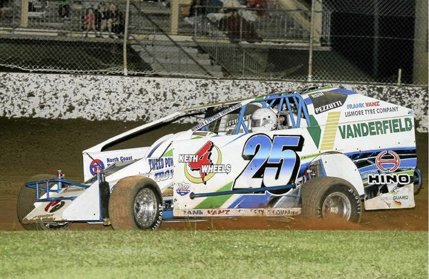 Andrew Pezzutti puts his NSW V8 Dirt Modified Championship on the line at Lucas Oil Lismore Speedway over Easter.