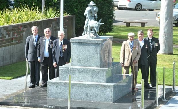 NATIONAL TREASURES: (L-R) Craig Dunstone, RSL Sub-branch president Bob Payne, WWII Diggers Doug Dyson and Bill Owers, Scott Miles and Grant Roder.