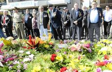 Hundreds turned out for the service at the Yamba Cenotaph.