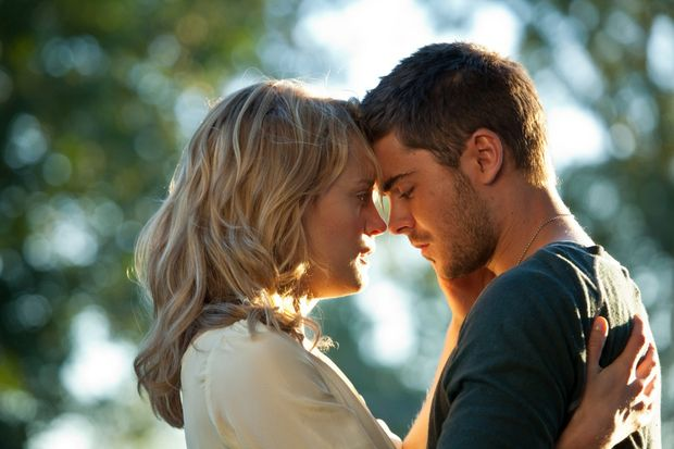 Taylor Schilling and Zac Efron in a scene from the movie The Lucky One.
