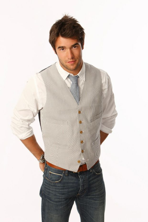 Josh Bowman as Daniel Grayson in the hit TV series Revenge.