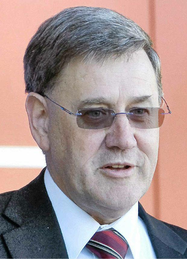Prof Peter Lee