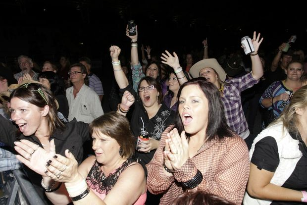 Crowds go wild country style at the Urban Country Music Festival. Photo Vicki Wood / Caboolture News