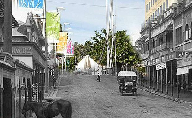 The view up Nicholas St towards Brisbane St with a curious mix of old and new. It is now the Ipswich Mall, featuring a futurescope at the top of the photo.