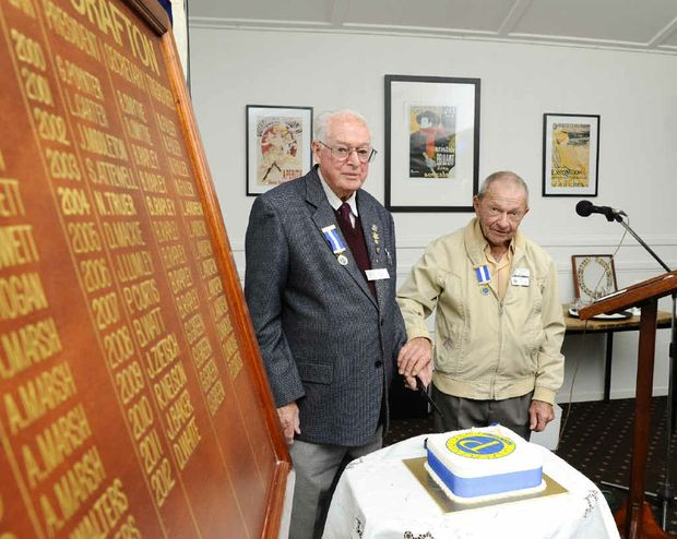 Probus Club of Grafton life members Athol Mulligan and Jack Lumley cut the cake celebrating the 30th anniversary of their club at the Grafton District Golf Club.