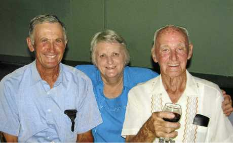 Battle of Milne Bay veteran Edgar McCulloch, right, with his daughter and son-in-law, Marion and Graham Reid.