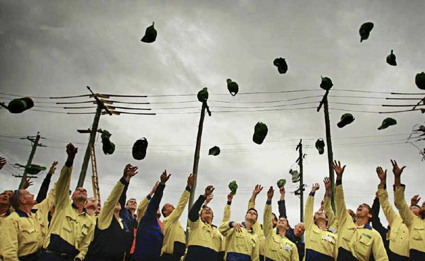 Unions claim resources like the Country Energy training centre in Grafton these apprentices are graduating from are under threat if the O'Farrell Government privatises electricity.