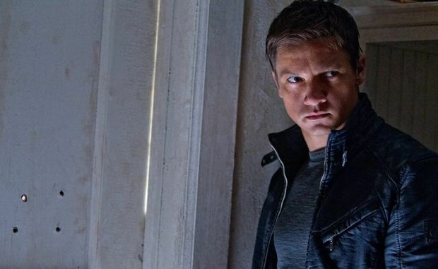 Jeremy Renner in a scene from the movie The Bourne Legacy.
