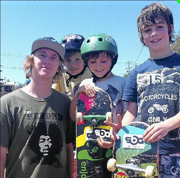 SbA clinic co-host Scott Standley (left) with local skaters from Palmers Island Clay Penman, Ari Bradley and Chat Bradley.