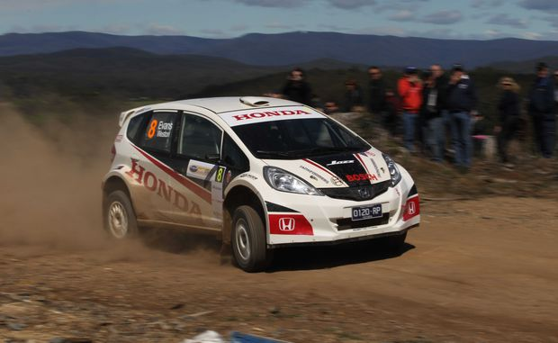 Eli Evans wrapped up the Bosch 2WD Championship with a stellar first heat performance at the Snake Racing Coffs Coast Rally.