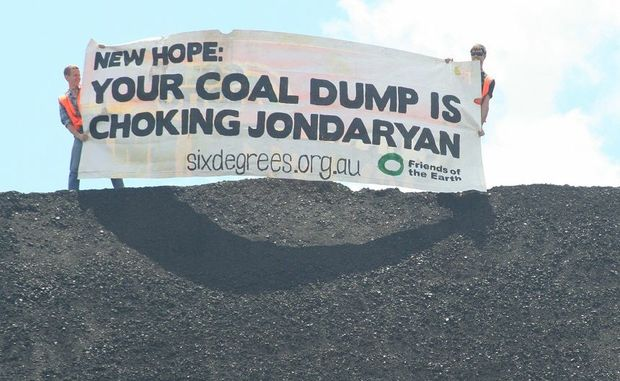 Protestors at New Hope's coal handling facility near Jondaryan.
