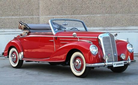 This rare 1951 Mercedes-Benz 220A Cabriolet sold for $88,000.