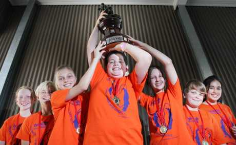 Middle Park State School students have won the state finals in the Opti-Minds School Challenge. Victoria Robbins, 12, Zac Steel, 12, Emily Menelaws, 12, Lachlan Crawley, 12, Kirra McLeod, 12, Matt WEstwood, 13 and Ana Coimbra, 12. Photo: Inga Williams / The Satellite