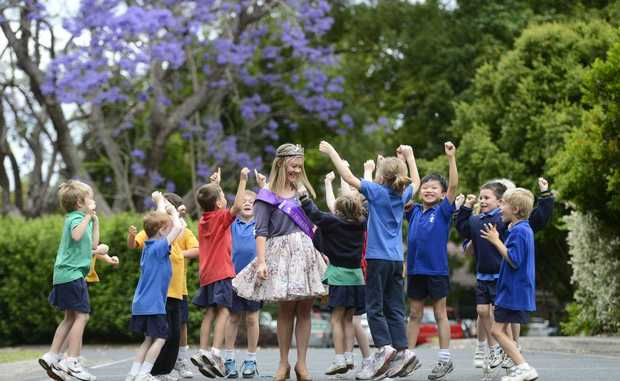 2012 Jacaranda Queen Sara Filewood meets her excited kindergarten class at CVAS for the first time since winning the title. Photo Adam Hourigan / The Daily Examiner