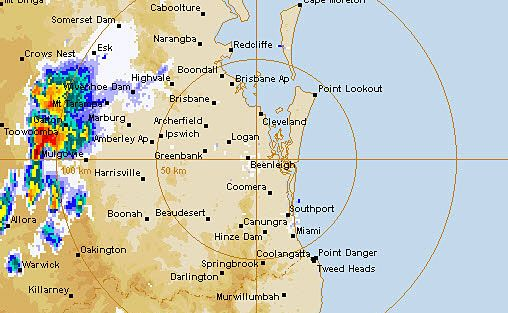 An image from the BoM radar showing a storm moving through the Ipswich region.