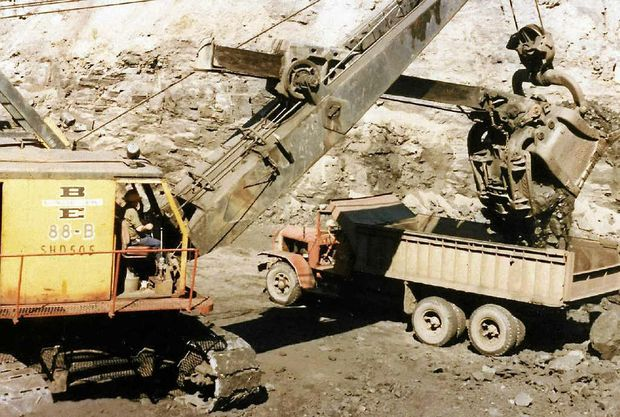 Mining at Blair Athol before Rio Tinto took over as managers in May, 1984.