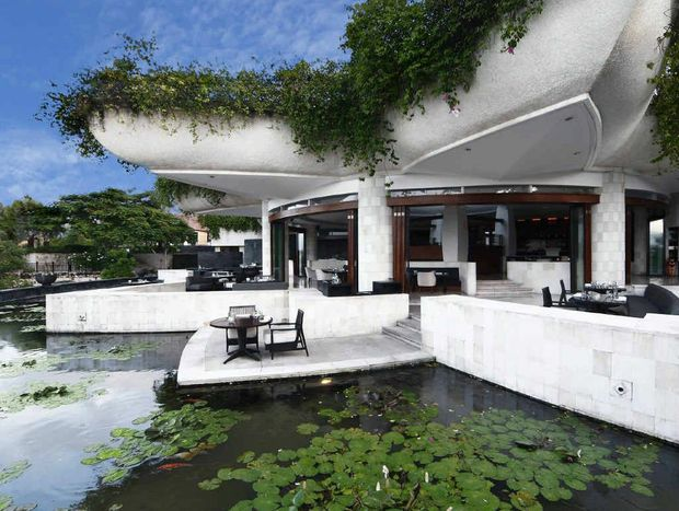 Surrounded by a floating pond, Dava restaurant at the Ayana Resort and Spa at Jimbaran, Bali is a must for connoisseurs of fine dining.