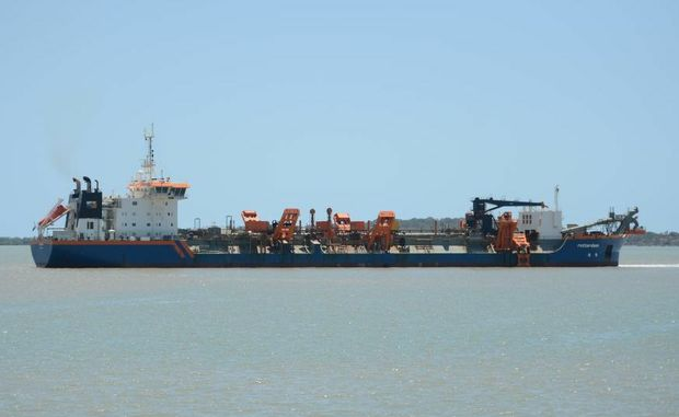 The Rotterdam cutter suction dredge on Gladstone Harbour.
