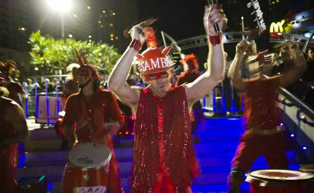 Drum it out - the Samba-Blisstas are all about red and a good time.