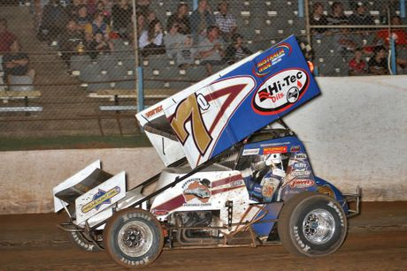 Sprintcar driver Robbie Farr hopes to maintain his great record at Charlton Raceway and secure a clean sweep of the Lucky Sevens competition on Saturday night.