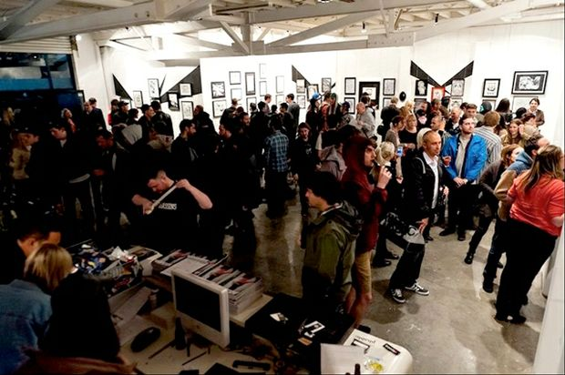BLACK AND WHITE ALL IN BETWEEN: Open Studio is hosting a brand new exhibition on December 1.