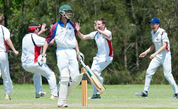The death rattle of the stumps sounds again for Diggers in the outright loss to Colts at Fitzroy Oval.