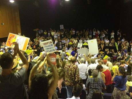 Protesters at CSG meeting at Lismore City Hall.