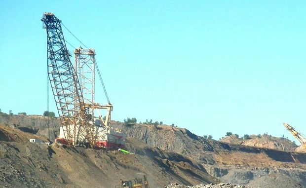 Isaac Plains Mine contract workers told there is no more work.