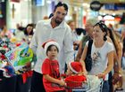 Christmas shopping booms with last minute sales