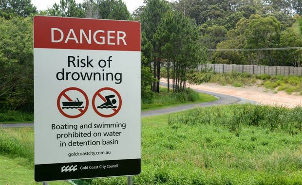 Park sign in Tugun. Photo: John Gass / Daily News