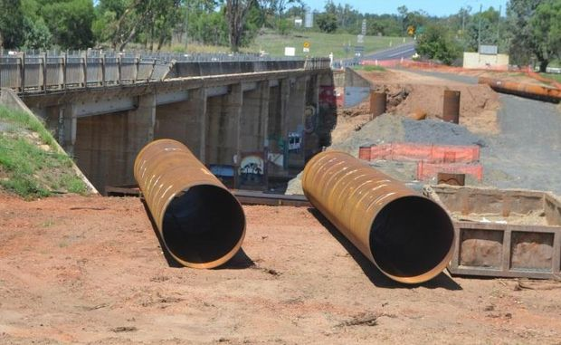 Work on the new Mitchell bridge will resume after holidays next week.