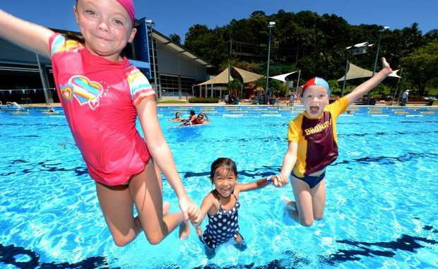 Murwillumbah swimming pool. Abby Grace, Imogen Andrews and Ryan Grace. Photo: John Gass / Daily News