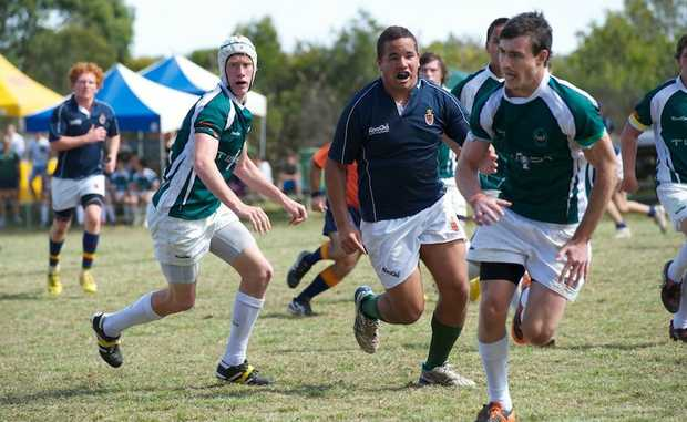 Dylan Daure playing rugby.