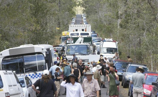 A truck containing equipment for the Glenugie CSG site makes its way along the crowded avenue Photo Adam Hourigan / The Daily Examiner
